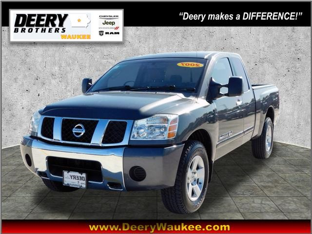 Pre-Owned 2007 Nissan Titan SE