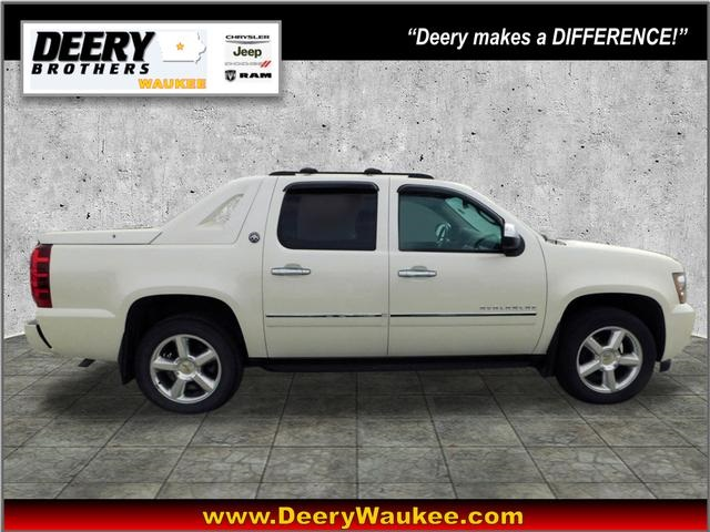 Pre-Owned 2013 Chevrolet Avalanche 1500 LTZ